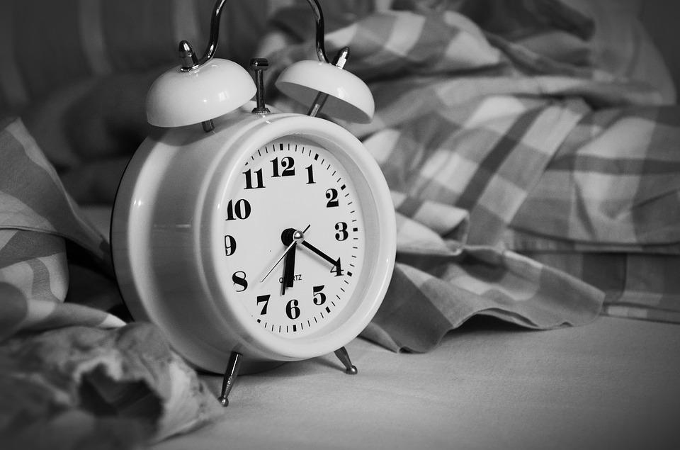 se réveiller tôt le matin